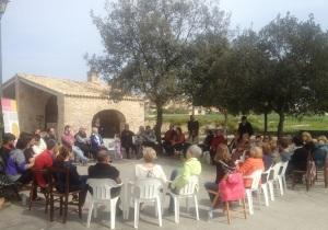 Una quarentena de persones han assistit a l'acte de Gent per Sineu, avui matí al Pou Llavoner.