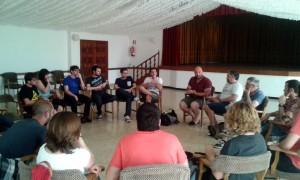 Els participants de l'encontre sobre noves festes mallorquines al multifuncional Teleclub.
