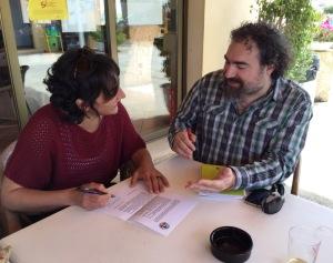 La coordinadora del partit sobiranista i d'esquerres signà el decàleg en presència d'un membre de la junta de l'OCB.
