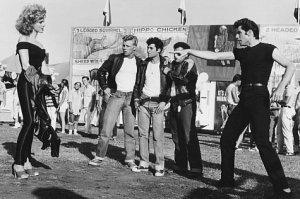 Fotograma del film 'Grease' (1978), dirigida per Randal Kleiser i protagonitzada per John Travolta i Olivia Newton-John.