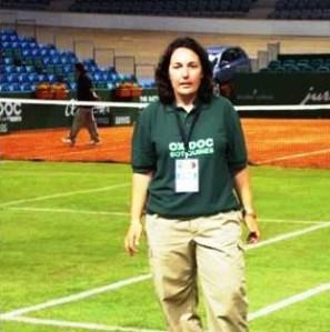 Neus Marí, la reconeguda àrbitre internacional de tennis.