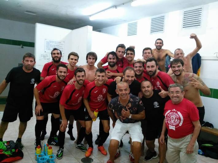L'equip, eufòric després de la victòria ahir dins Sóller.