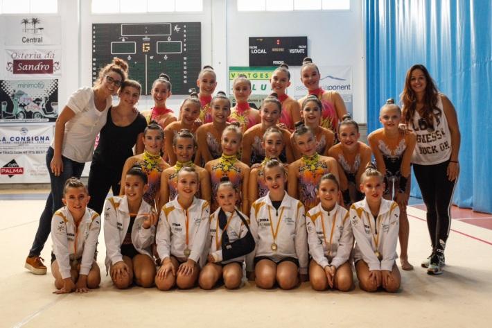 L'entrenament i l'esforç de les gimnastes del Club Gimnàstica Rítmica Sineu ahir es va veure recompensat al Campionat de Balears Base i al Campionat de Mallorca Absolut, celebrats a Andratx (informacions de Neus Bergas).
