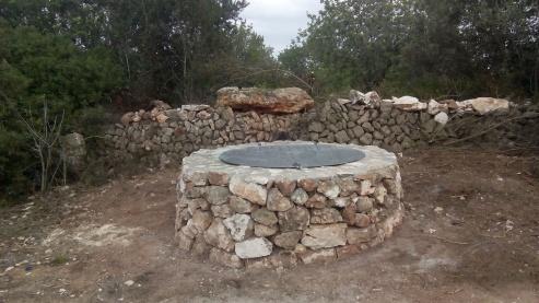 El pou, restaurat (fotos: Ajuntament de Sineu).