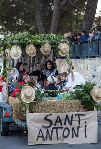 Les carrosses de temàtica tradicional, com cada any recolliren escenes de l'antigor. Foto de Macià Puiggròs.