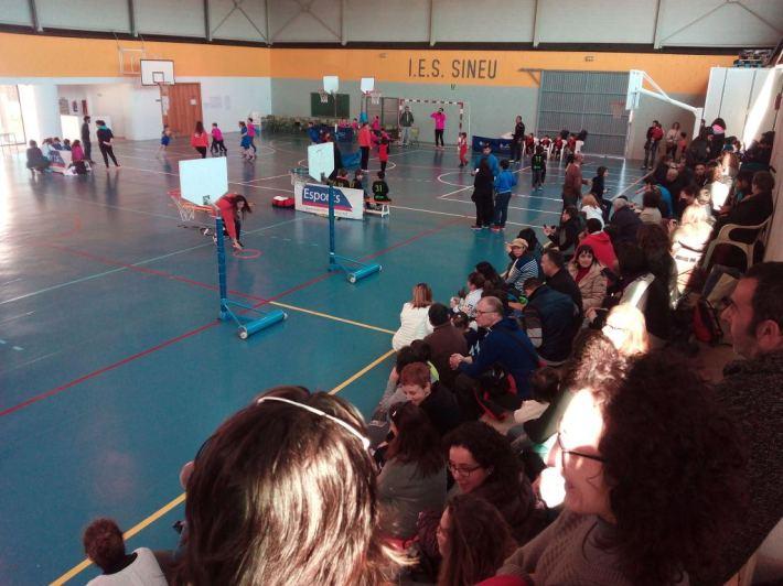 Avui matí el pavelló ha acollit una Diada de Bàsquet del Consell de Mallorca, destinada a formar els més petits en les bones pràctiques en l'esport.