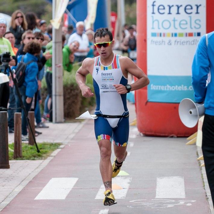 Biel Gacias 'Confit' ha fet molt bon temps en les proves de natació i bicicleta, avui a Can Picafort (foto: Mayolicus).