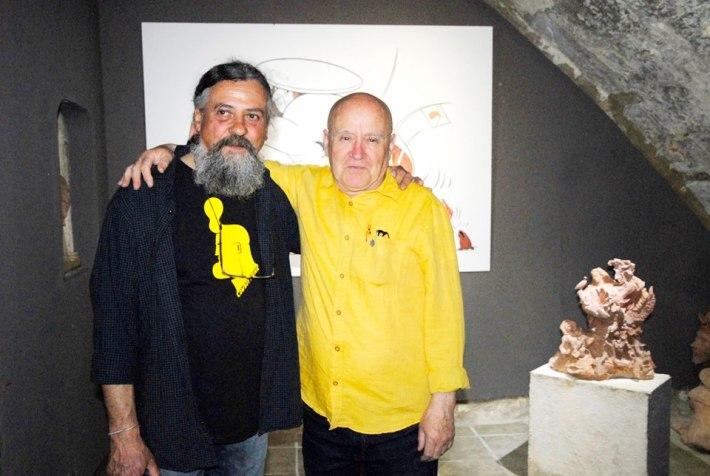 Max i Gago el vespre de la inauguració de l'exposició, entre les seves obres (Fotografia cedida per Ricardo Gago)