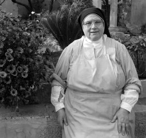 Sor Trinitat, coneguda entre els sineuers com 'na Paquita', s'ha mort avui matí. Era la monja més coneguda del convent de les monges tancades.
