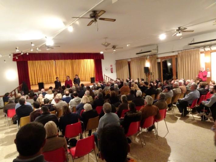 Militants dels municipis del Pla de Mallorca ompliren ahir vespre el Teleclub de Sineu.